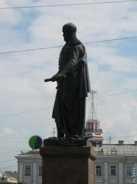 Кто автор памятника Барклаю-де-Толли?